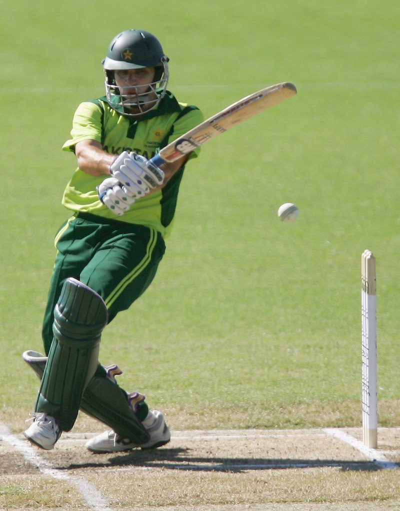 http://shinymedia.blogs.com/photos/uncategorized/2007/09/14/misbah.jpg